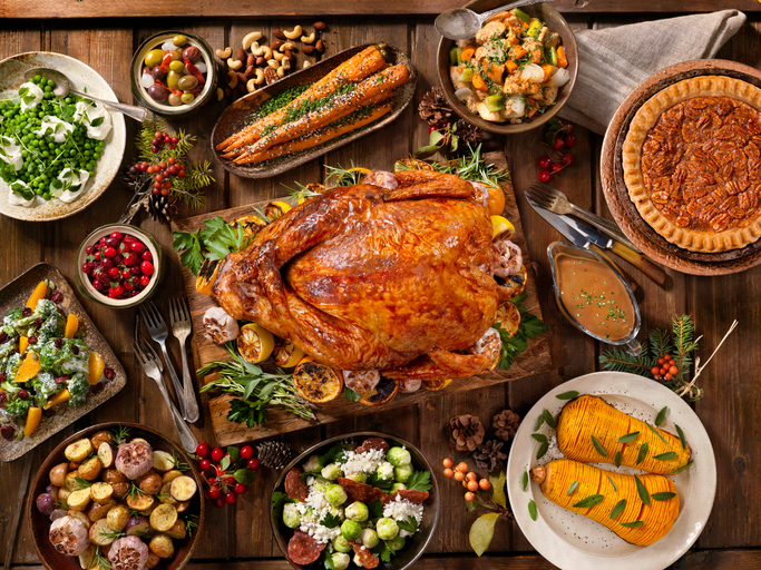 How to Plan a Thanksgiving Feast For Less